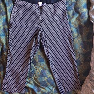 Classic black and white print crop pants